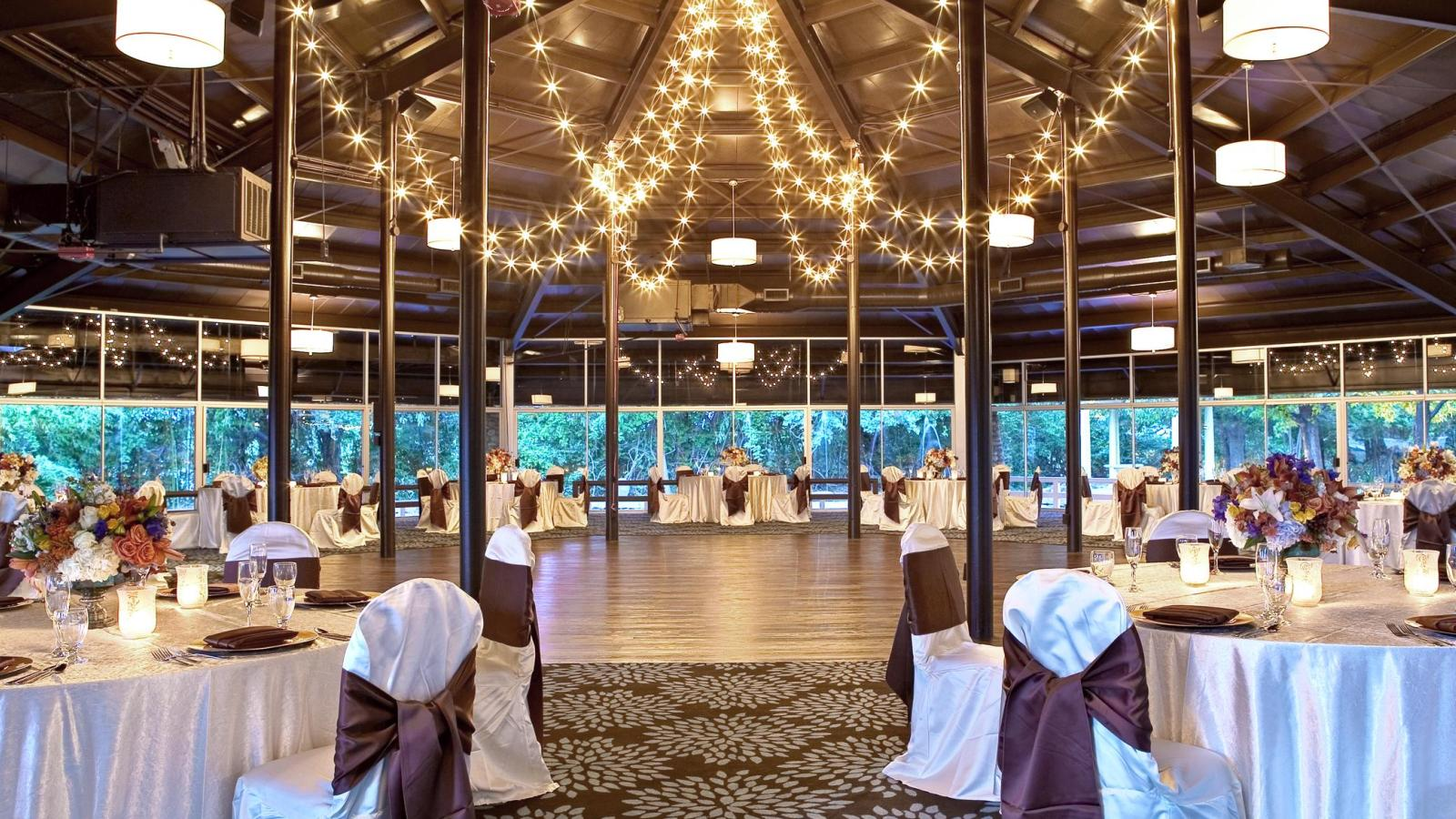Wedding Venues in Arlington TX - Wedding Reception